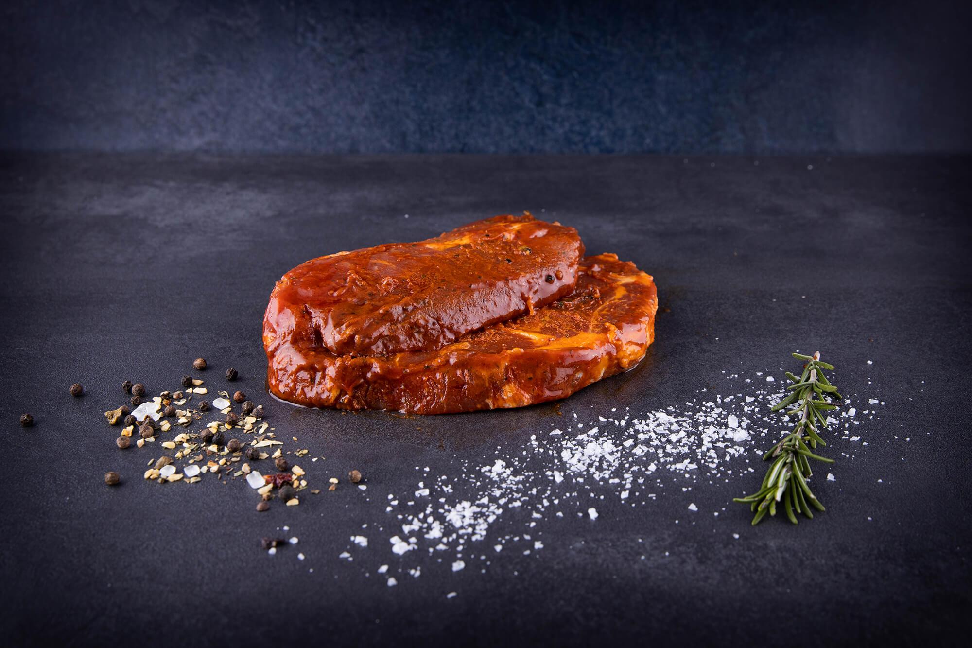 Schweinenackensteaks  mariniert in BBQ Sauce, von Metzgerland, ca. 10 Stk, ca. 2100g